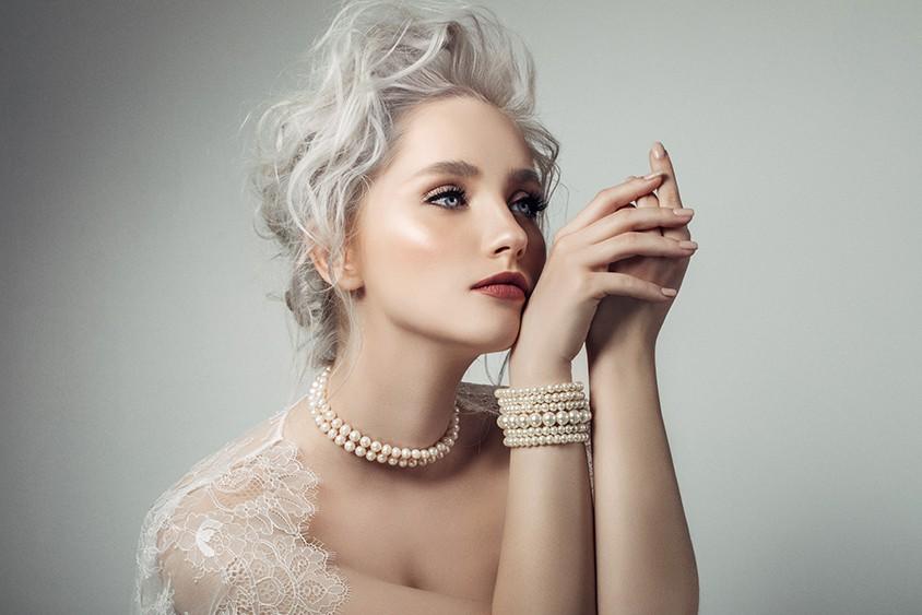Pertlové náhrdelníky