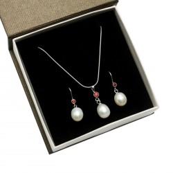perlový set s granáty