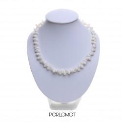 bílý korálový náhrdelník