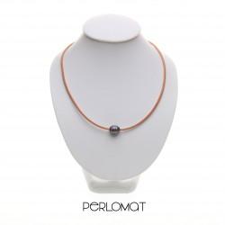 perly na kůži - náhrdelník